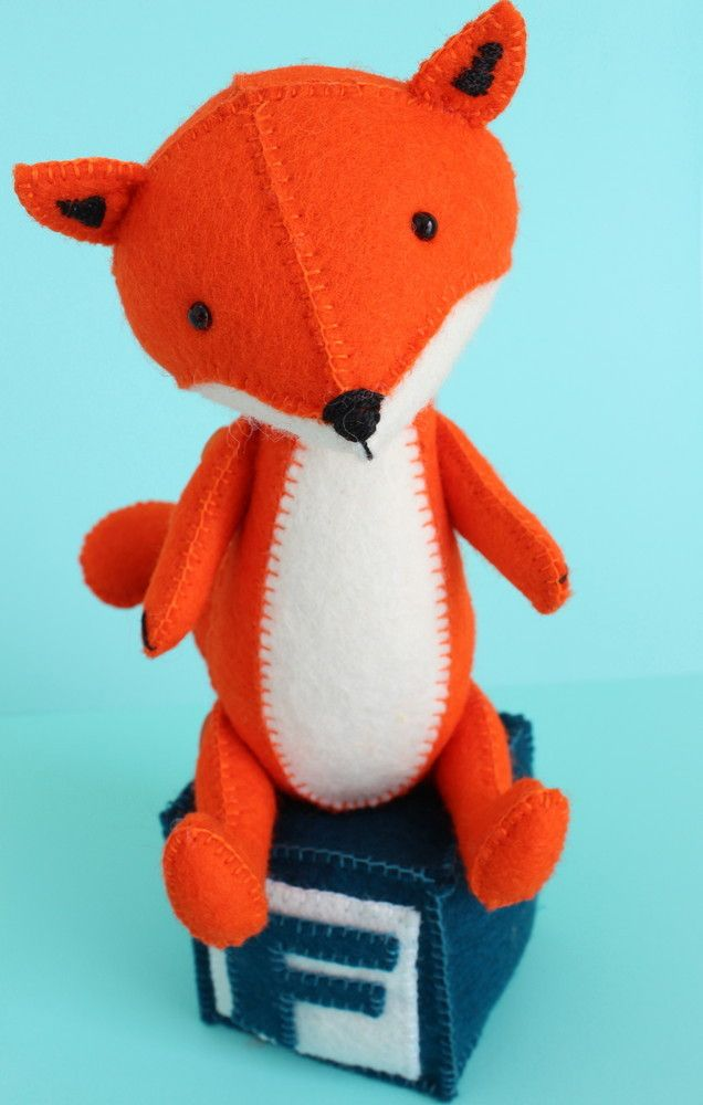 7 knit animal patterns the funky stitch fox animal pattern use vibrant orange yarn to knit this cute fox toy and add little bits of white and black it is a real piece of wonder dt1010fo