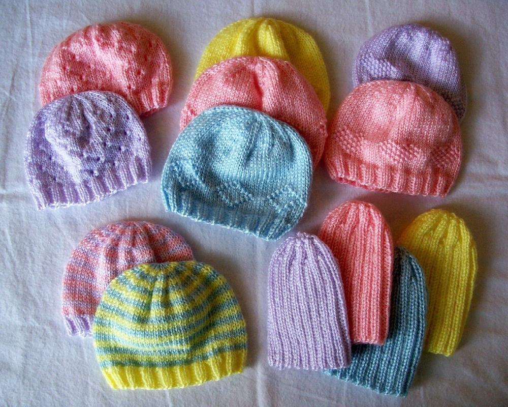 8 Preemie Knit Hat Patterns - The Funky Stitch