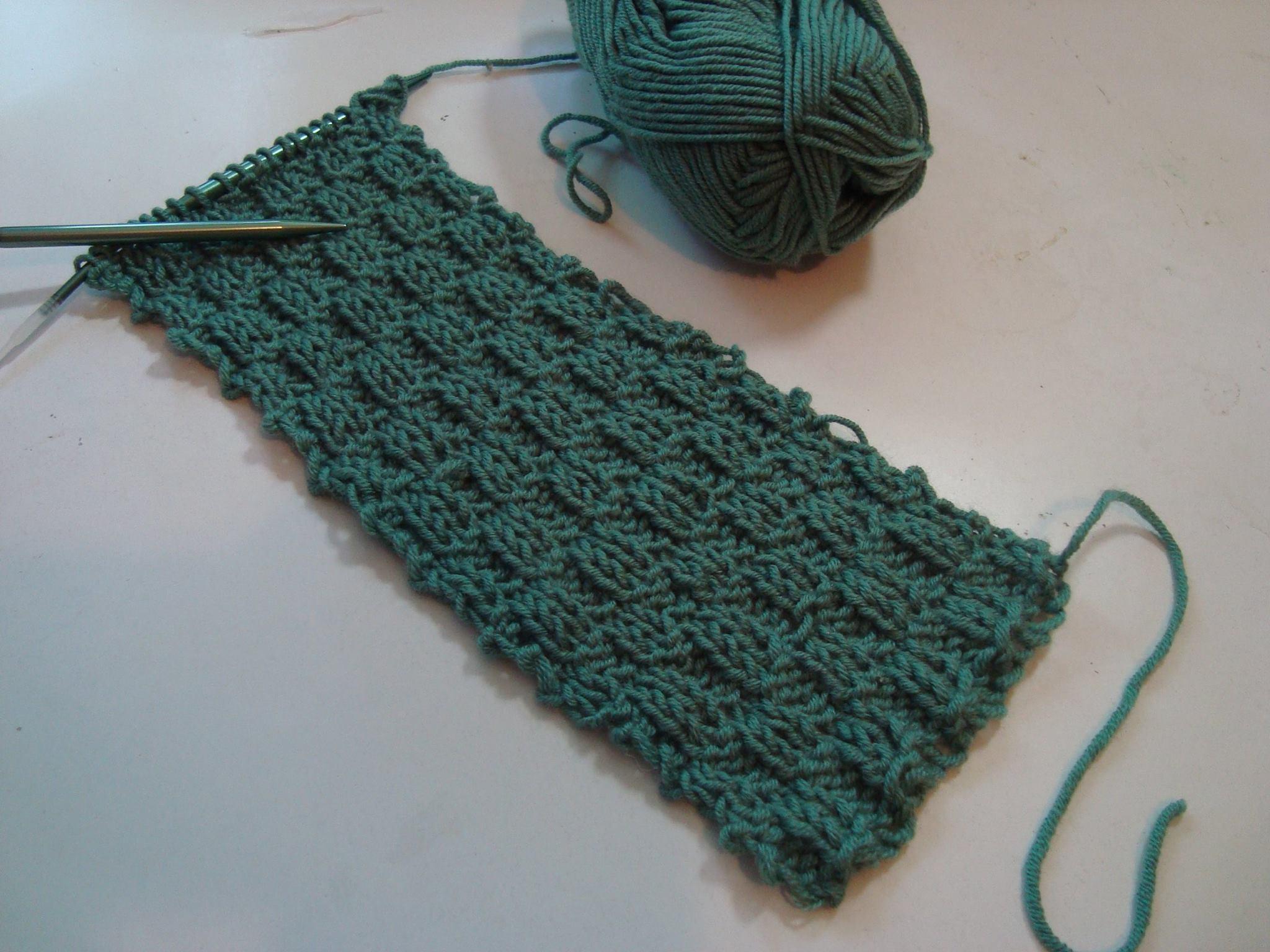 4 Men's Knit Scarf Patterns - The Funky Stitch
