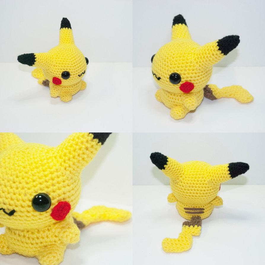 Pikachu and Pokeball Pod pattern - Ami Amour | 894x894